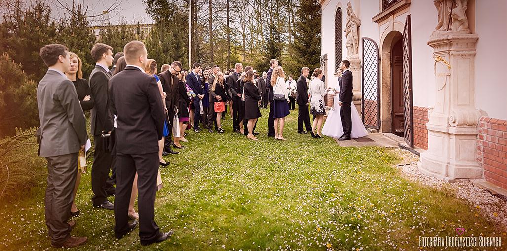 Fotografia Uroczystości Ślubnych - fotografia ślubna Wrocław, Jelenia Góra. Reportaż ślubny Magdy i Wiktora - Sobieszów, Jelenia Góra, Dwór Korona Karkonoszy.