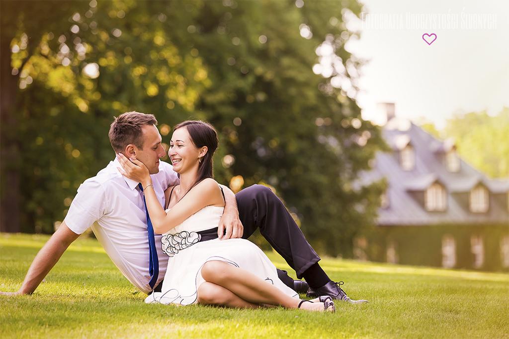 Fotografia Uroczystości Ślubnych - Monika i Paweł - Plener ślubny Jelenia Góra - Park przy Pałacu w Staniszowie.
