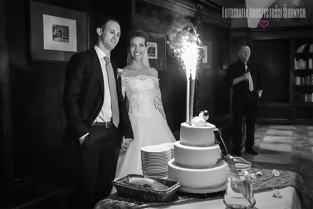 Zdjęcia ze ślubu Gosi i Dereka w Zamku Czocha. Reportaże ślubne, sesje narzeczeńskie, plenery ślubne Jelenia Góra, i okolice.