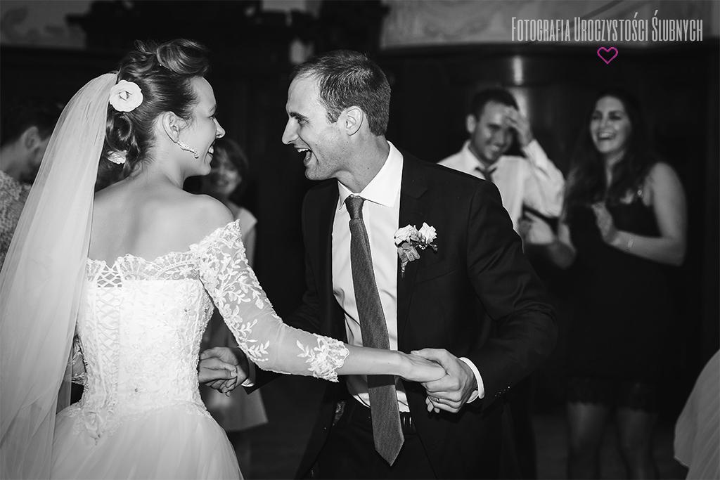 Zdjęcia ze ślubu Gosi i Dereka w Zamku Czocha. Reportaże ślubne, sesje narzeczeńskie, plenery ślubne Jelenia Góra, i okolice. Zapraszam!