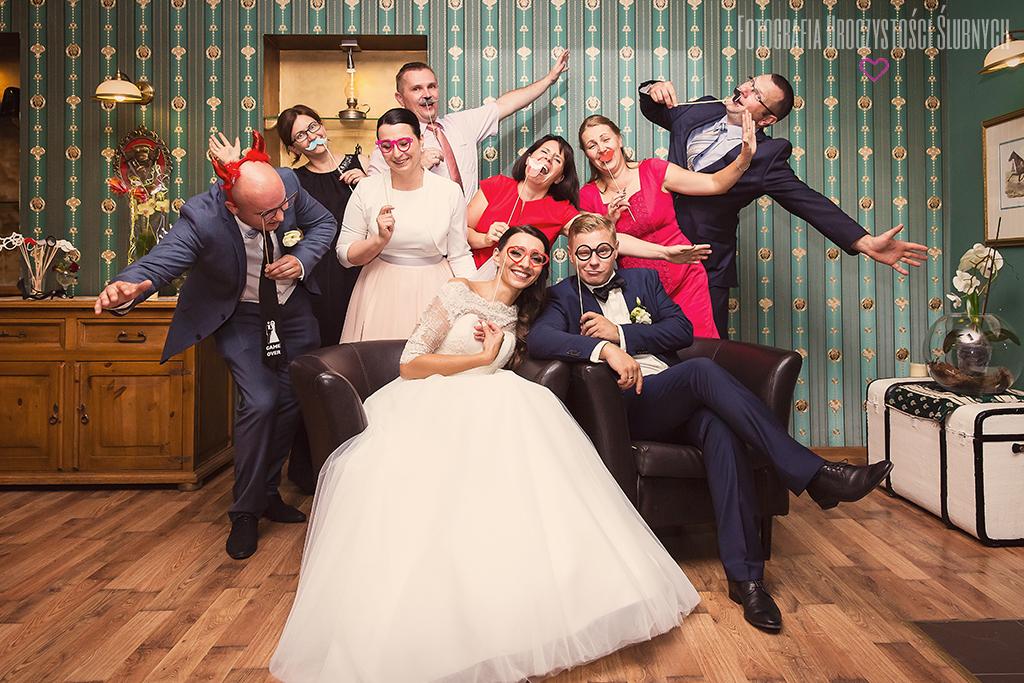 Fotografia Uroczystości Ślubnych - Fotografia ślubna Jelenia Góra - reportaż ślubny Ewy i Bartka - Wojcieszyce, Dwór Korona Karkonoszy.
