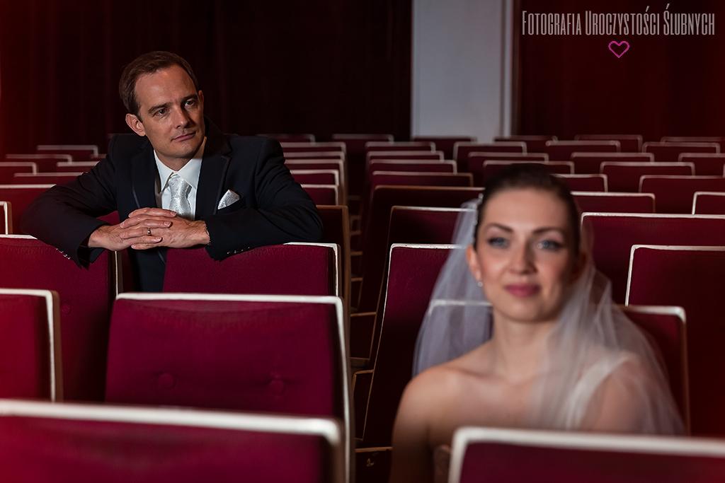 Sesja ślubna w Teatrze Norwida.