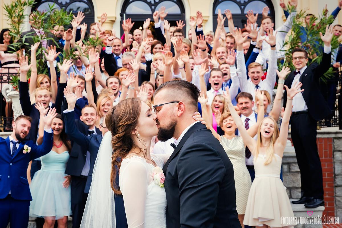 Fotografia ślubna w Pałacu w Borku Strzelińskim, koło Strzelina, pod Wrocławiem. Zdjęcia ślubne Wrocław, Jelenia Góra.