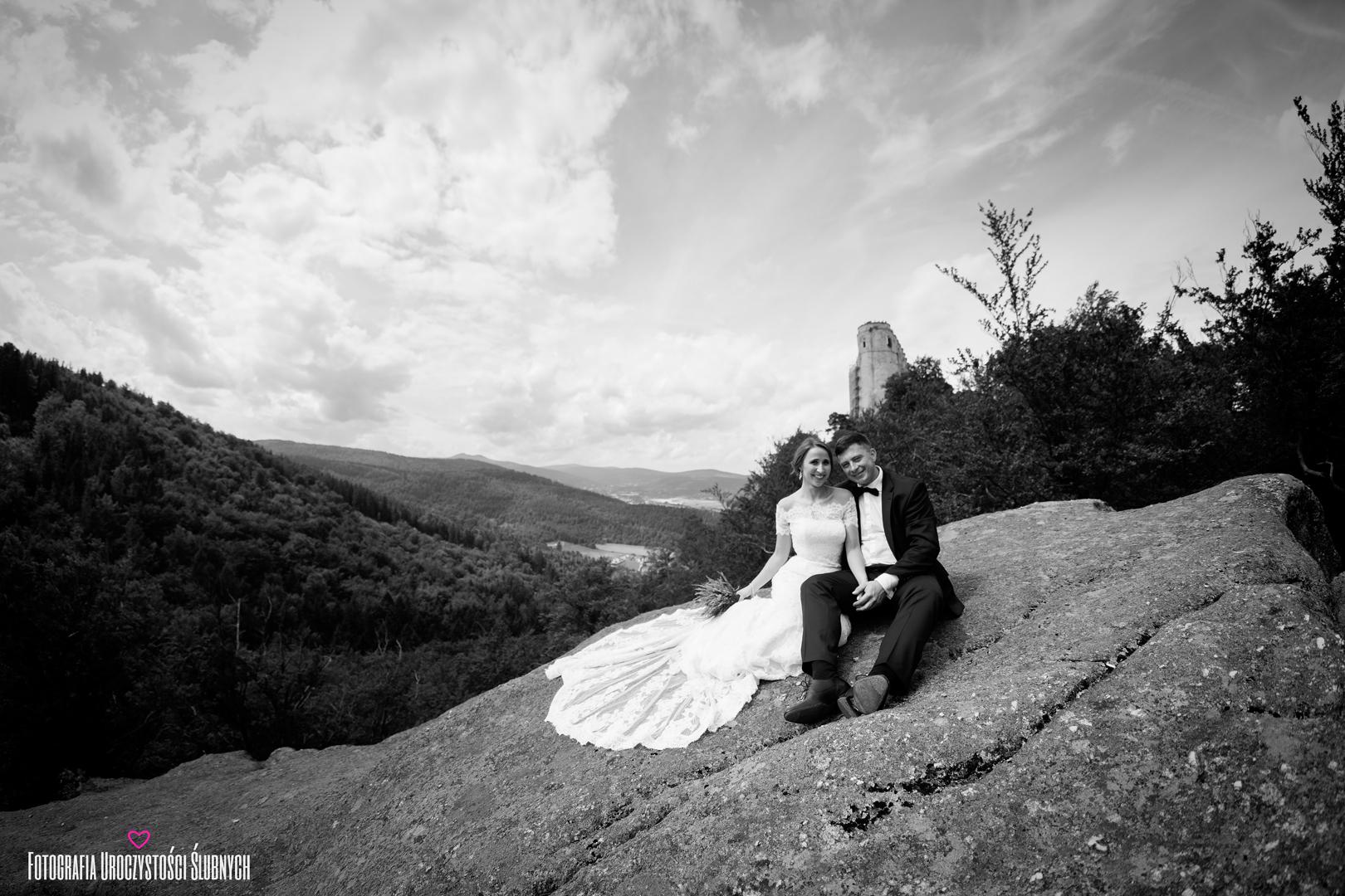 Zdjęcia ślubne w górach, sesja plenerowa na Chojniku, wesele w Dworze Korona Karkonoszy, fotografia ślubna jelenia góra.