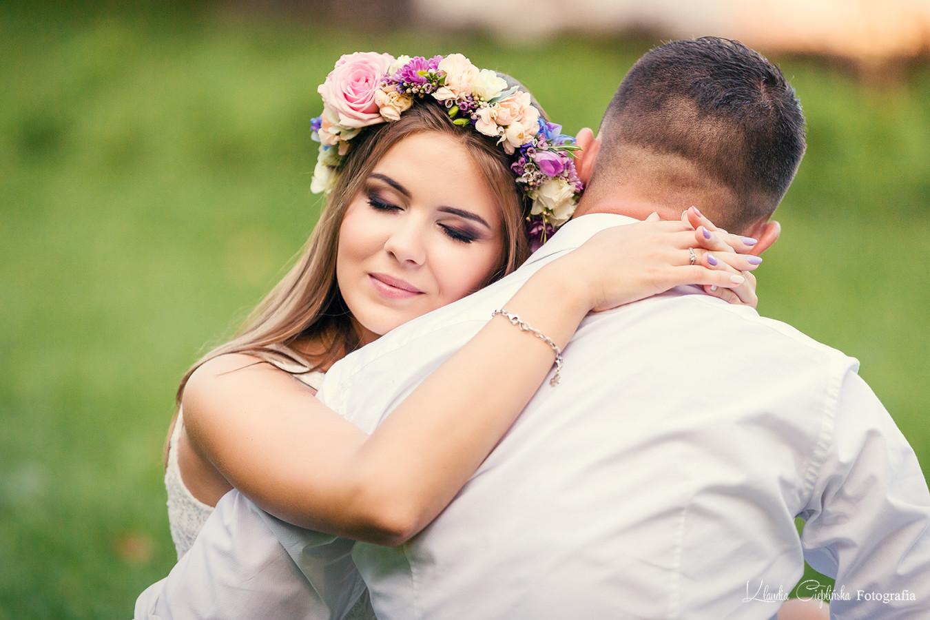 Zdjęcia portretowe, sesja plener w Bukowcu koło Jeleniej Góry. Artystyczna fotografia ślubna, plenerowa.