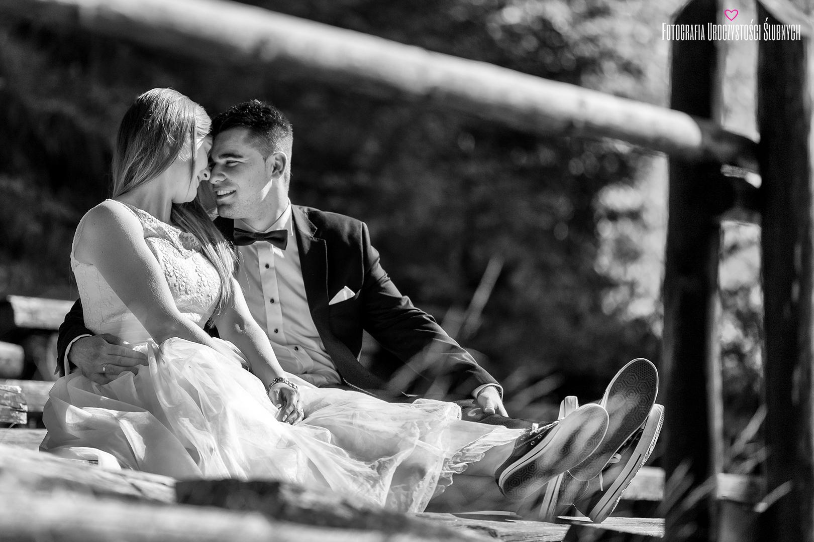 Reportaże ślubne, sesje narzeczeńskie, artystyczna fotografia ślubna Jelenia Góra. Zdjęcia z pleneru ślubnego w Karkonoszach.