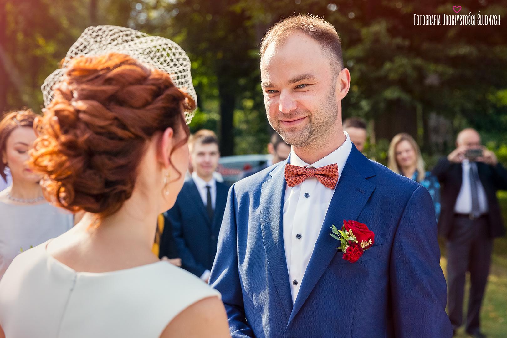 Zdjęcie ślubne Mariki i Bogusława z Pałacu Wojanów. Artystyczna fotografia ślubna Jelenia Góra, Wrocław.