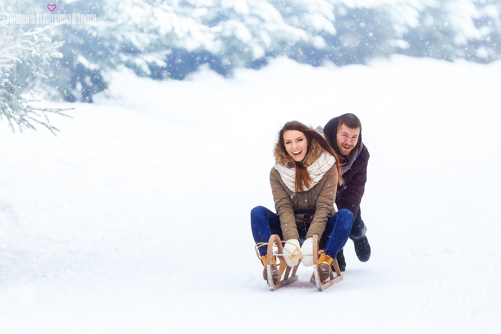 Sesja plenerowa w górach zimą. Fotografia ślubna Karkonosze. Zdjęcia Jelenia Góra i okolice. Fotograf ślubny - Klaudia Cieplińska - Zapraszam!