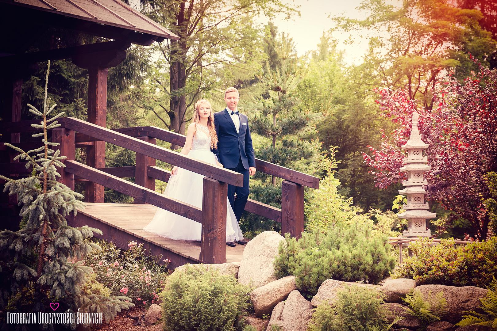 Piękny plener ślubny w ogrodzie japońskim Siruwia w Przesiece koło Jeleniej Góry. Artystyczne sesje ślubne, reportaże...