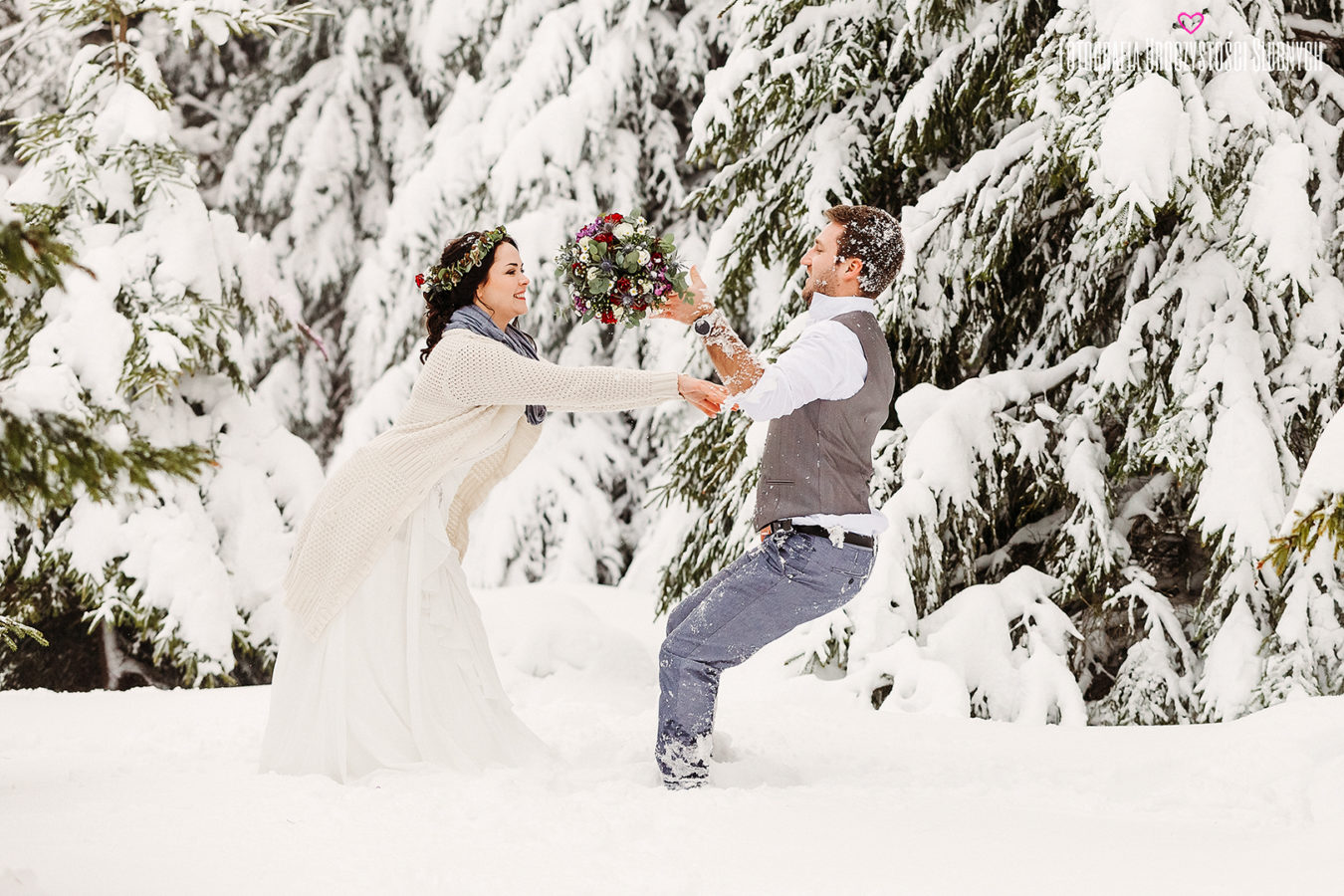 Przepiękne sesje narzeczeńskie oraz sesje ślubne plenerowe w lasach, górach, w Karkonoszach - fotografia ślubna Jelenia Góra