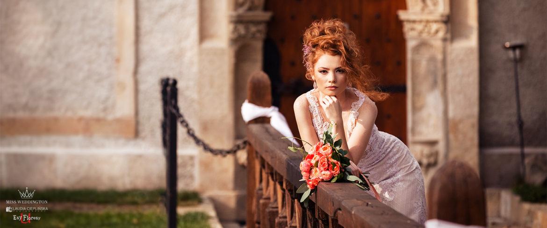 Stylizowana, zamkowa sesja ślubna w zamku Karpniki. Artystyczne zdjęcia ślubne - Klaudia Cieplińska fotografia ślubna Jelenia Góra